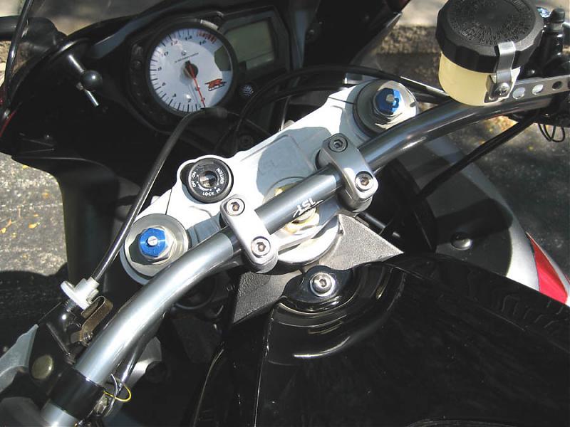 My comfy Gixxer, LSL style riser kit | Suzuki GSX-R