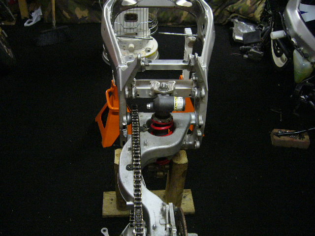 Name:  gsxr 1000 engine 059.jpg Views: 143 Size:  91.3 KB