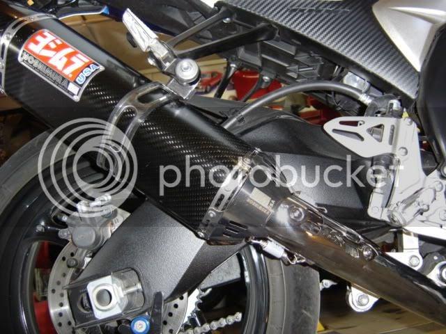 Help removing seat on GSXR1000 K9 Please | Suzuki GSX-R
