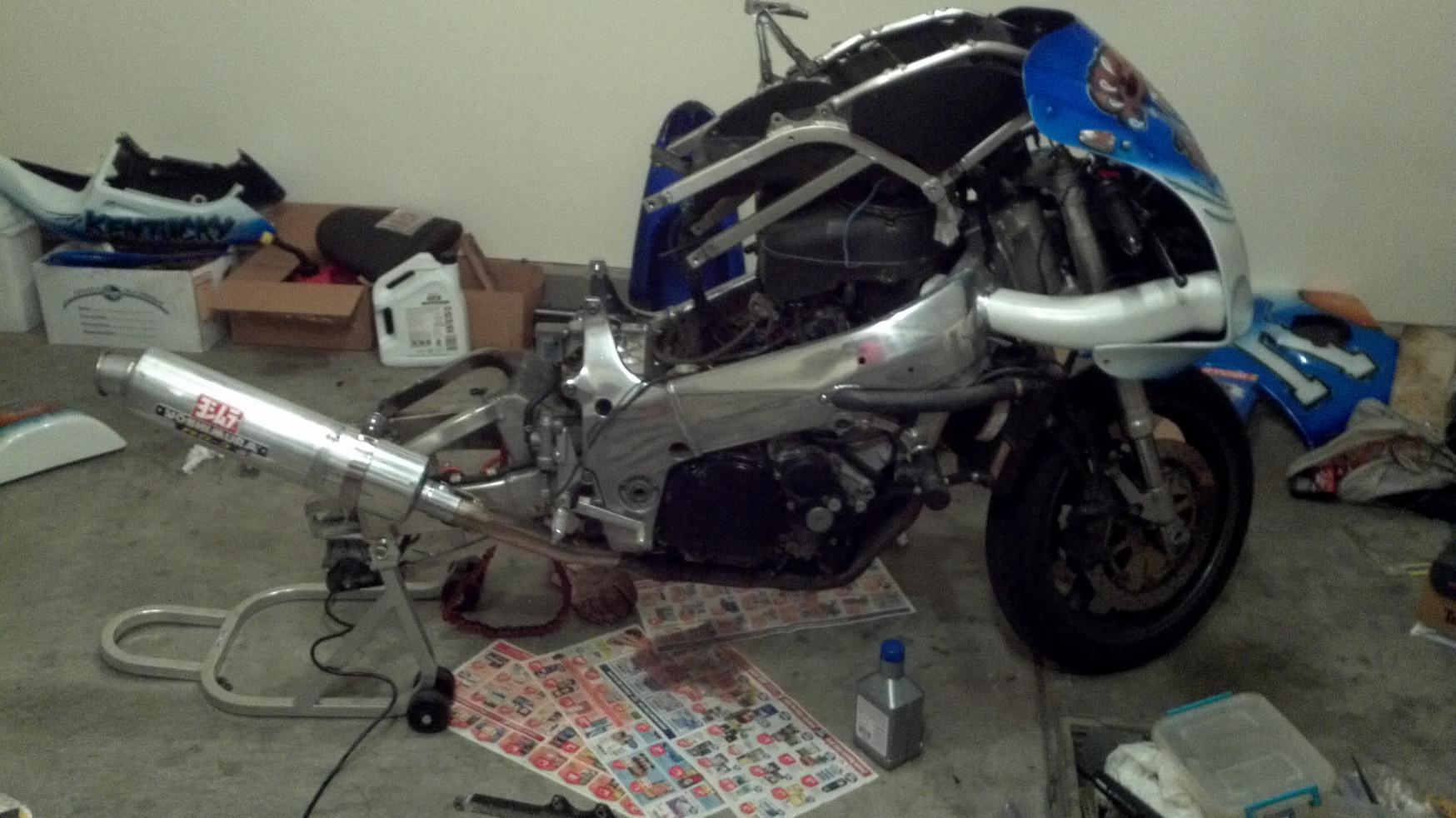 My 98 gsxr 750 sort of project page 2 suzuki gsx r motorcycle
